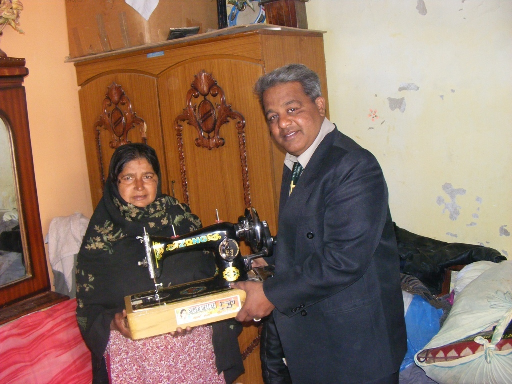Sewing machines distribution at thier door step