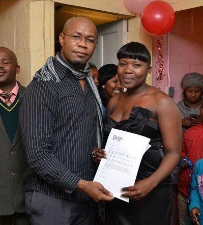 Zinthathu & Edwin with TNHF Alumni Certificate