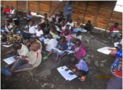 Class to deplaced children during war near Goma