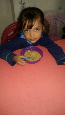 A student with her wheat porridge