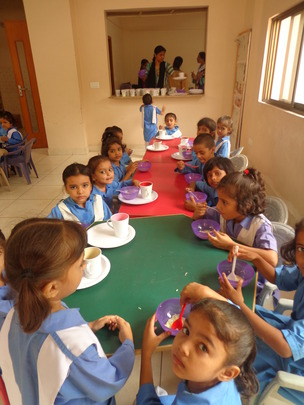 Kindergarten students in the Breakfast Room
