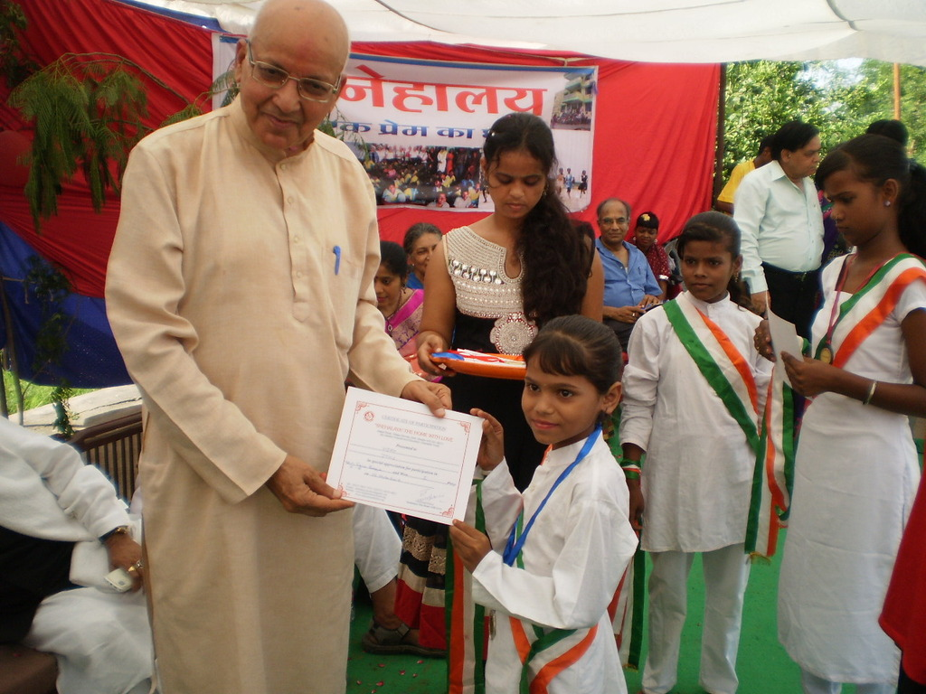 Prize distribution - keep it up