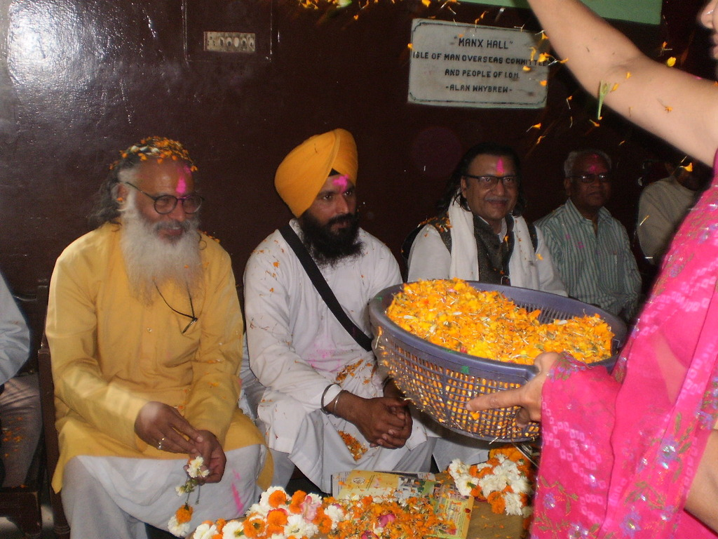 Leaders from all religions in Snehalaya for Holi