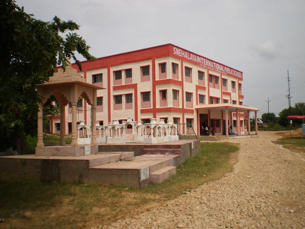 Temple and new School building in Snehalaya