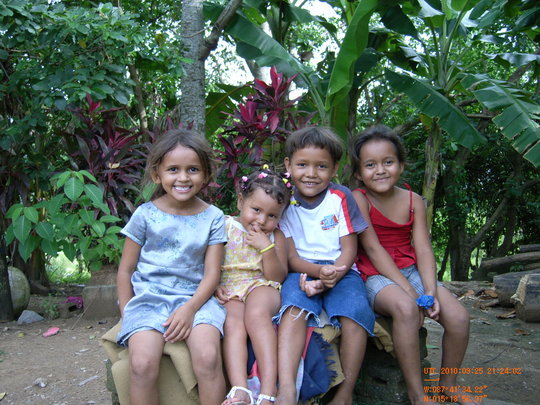 Children from El Negrito