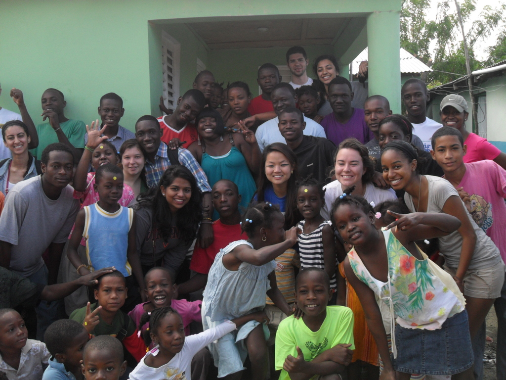 The UVA group with Batey Libertad students