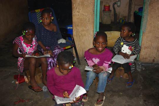 ACFA-Mali Girls reading