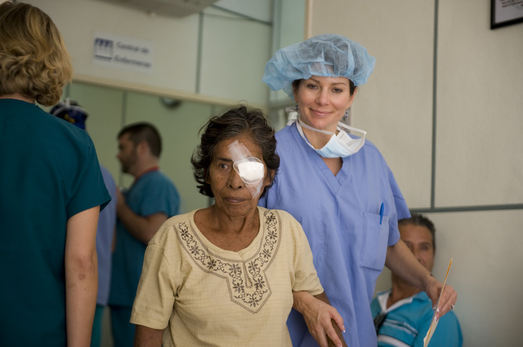 Restore Sight in Zihuatanejo, Mexico