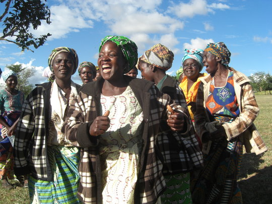 Provide long-term livings for 300 women in Malawi