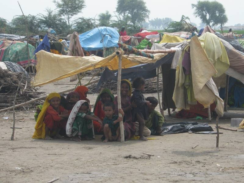 IDPs looking food & medical support for Thatta