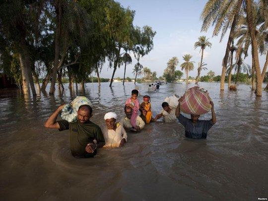 Flood hit more than 600 villages in Punjab 2014