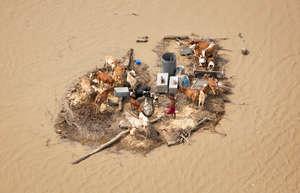 300 villages submerged in flood 2014 Pakistan