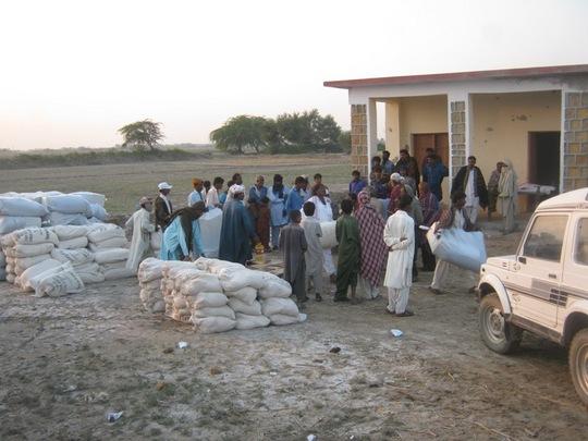 Food packges for distribution