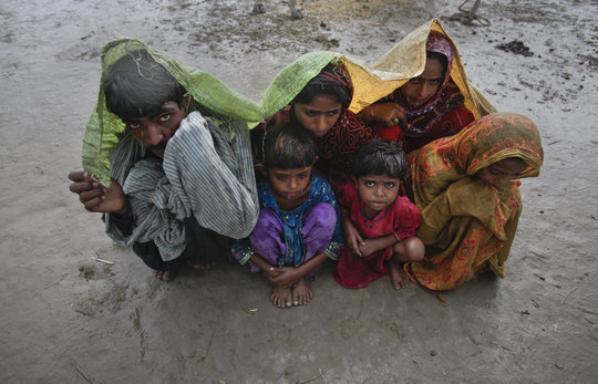 Relief for flood-displaced families in Pakistan