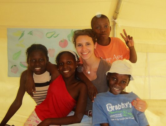 The kids with their volunteer English teacher