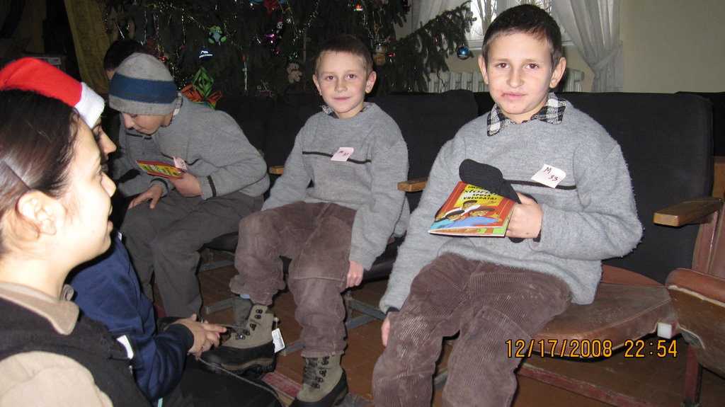 Moldovan Children Received New Boots from CERI
