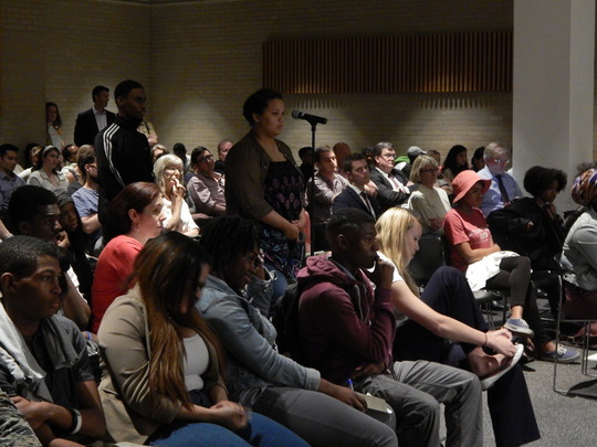 Students ask questions about DC History