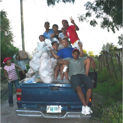 Youth organized a clean-up effort in Chorerra