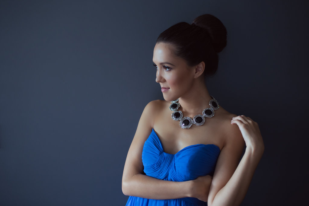 Tara Teng, Miss World Canada, in Kelly necklace