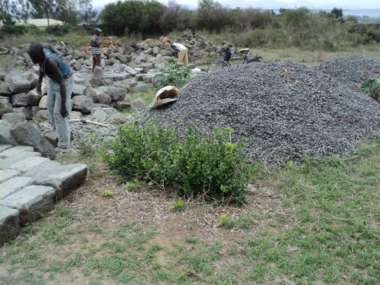 Arranging of cleaned building stones