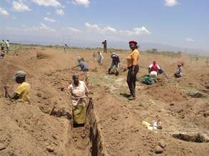 We too can do it! Women dig trenches