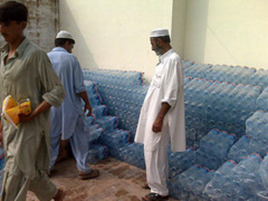 Water Distribution - Flood Relief 2010