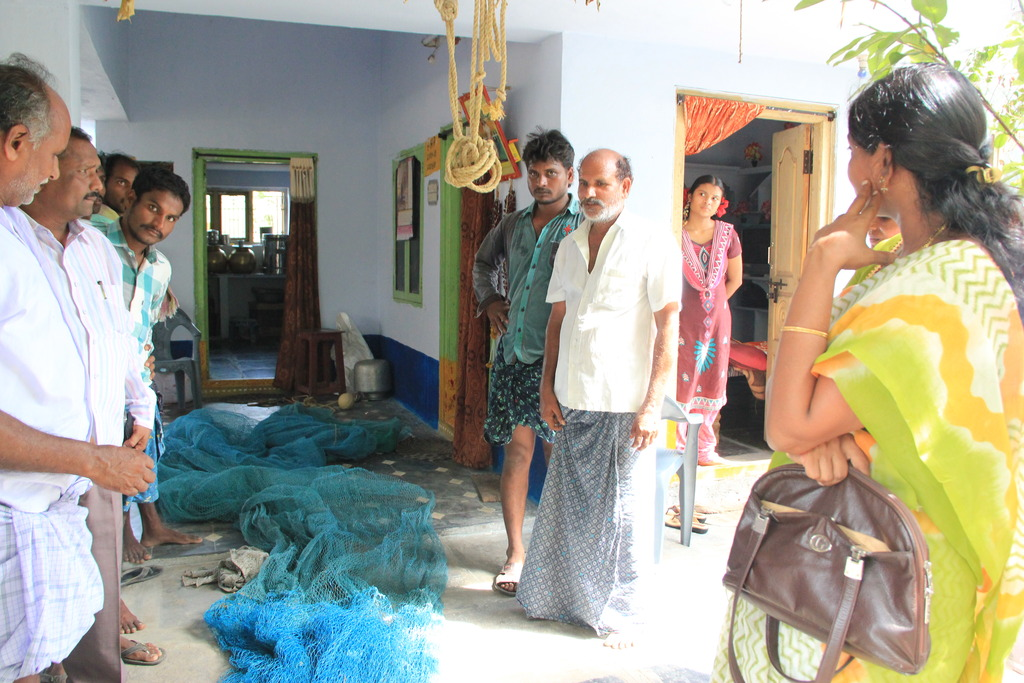 An lesson on fishing nets in another home