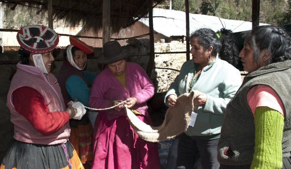 Inspecting the yarn