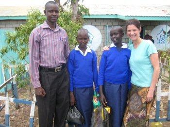 Dini and Saiboku - finally going to school