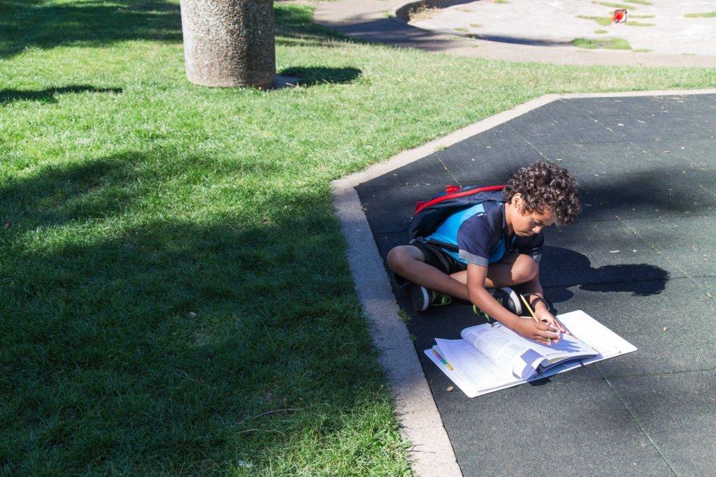 Damon Studies in Summer