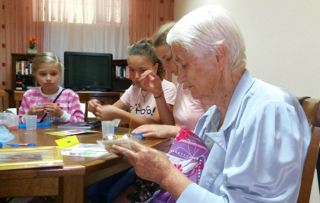 Liudmila Teaches Bead Needlework