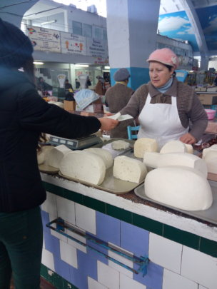 Cheese Vendor Learns About TB Disease