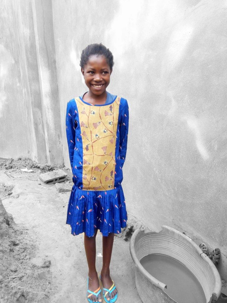 This little girl love school