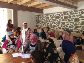 Taghia women learn about hygiene.