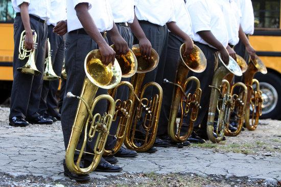 Instruments A Comin