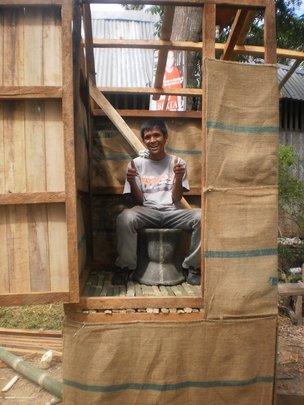 Single-vault ecosan toilet