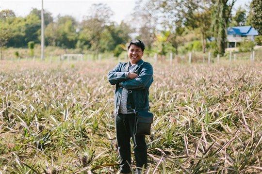 Win in his Pineapple Field