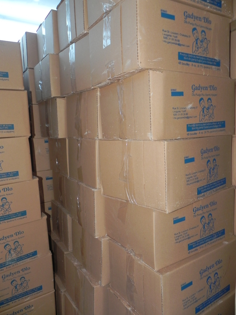 Boxes of Gadyen Dlo to be distributed in North