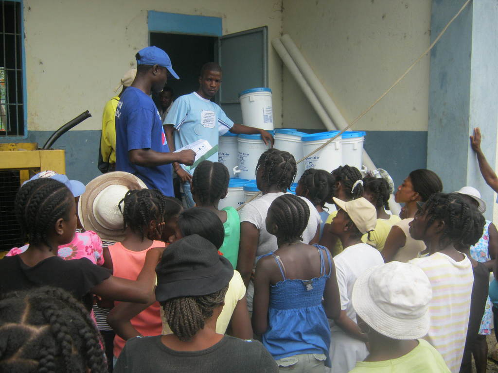 Distribution in Bas Limbe