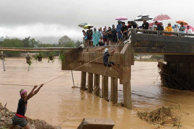 Effects of flooding in Nakhon Si Thammarat