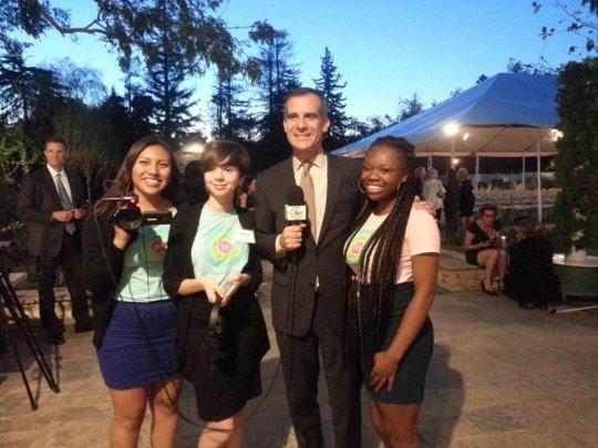 L.A. GlobalGirls with Mayor Eric Garcetti