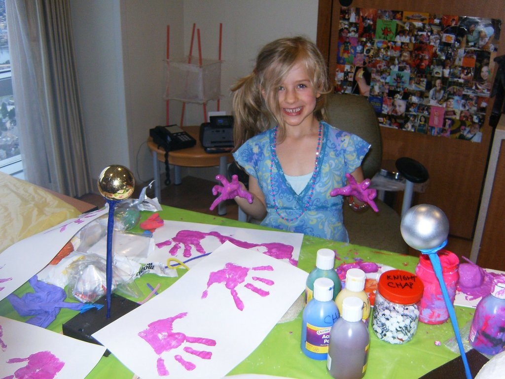 Bring healing art to children in medical crisis