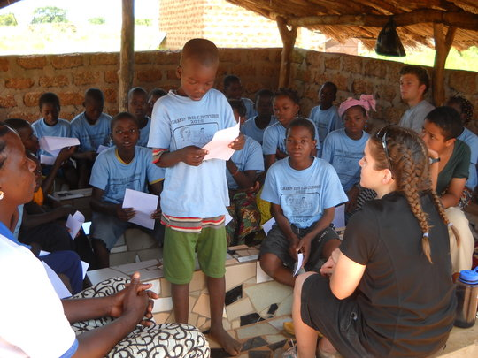 Help 200 students learn to read in Burkina Faso