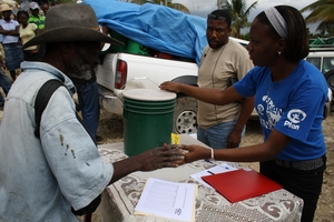 Distributing Family Kits in Jacmel