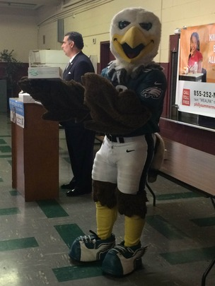 SWOOP showing his love for summer meals!