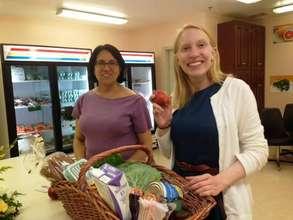 Nutrition staff Tanya Sen and Leah Gable