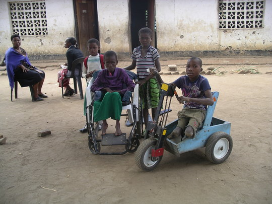 Malawi children need PET mobility