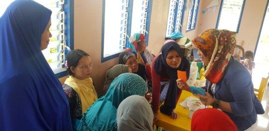 Ana-Farina facilitating a human rights workshop