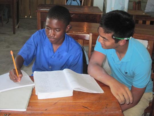American highschoolers peer-tutor in Math