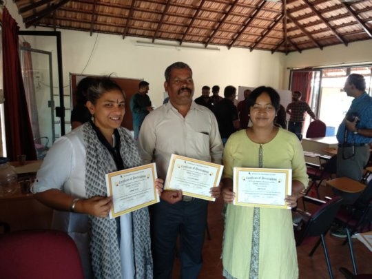 Nimmi,Murugesh and Smitha with their certificates